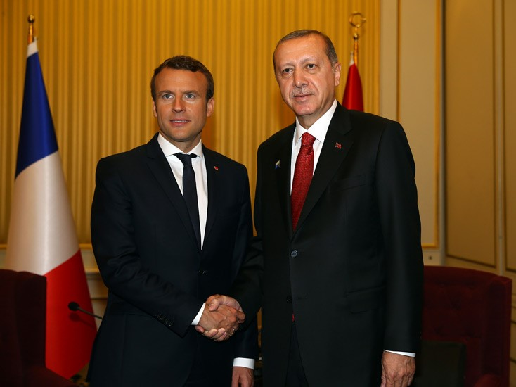 أردوغان يلتقي ماكرون في بروكسل