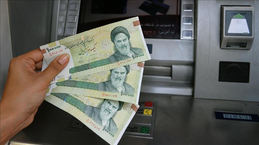 إيران توافق على بيع 3 ملايين برميل نفط بالعملة المحلية