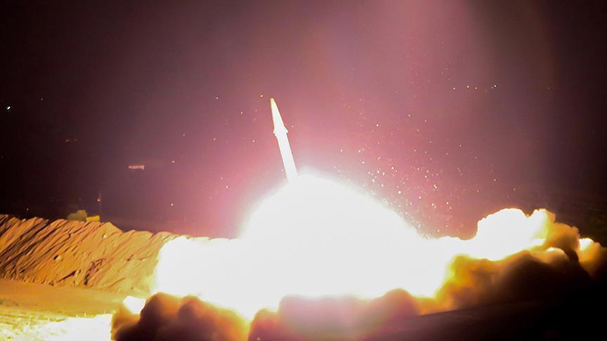 اعتراض 7 صواريخ بالسيتية حوثية فوق السعودية ومصرع مصري