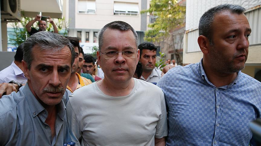 الأمن التركي ينقل القس