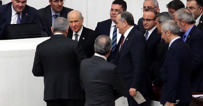 البرلمان التركي يواصل عملية التصويت على مواد مقترح التعديل الدستوري
