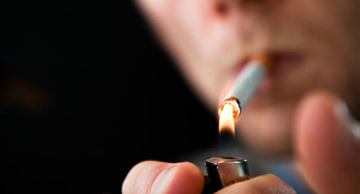 التدخين يقصف أعمار مرضى الإيدز أكثر من الفيروس نفسه