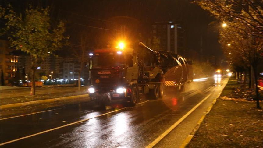 """الجيش التركي يرسل تعزيزات إلى حدود """"إدلب"""""""