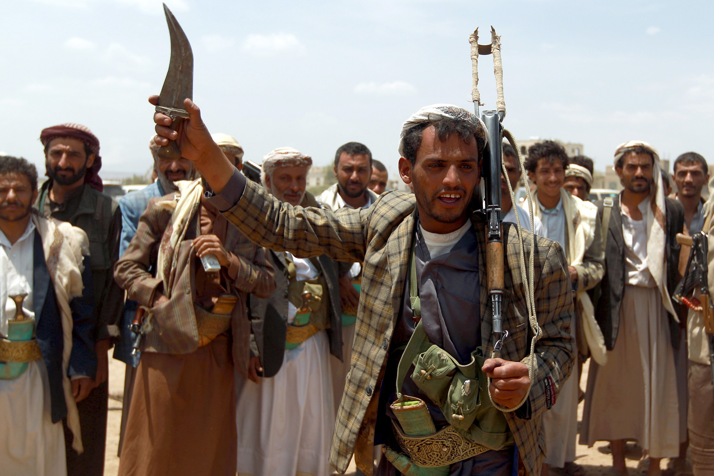الحوثيون يعلنون عن صفقة تبادل أسرى مع القوات الحكومية