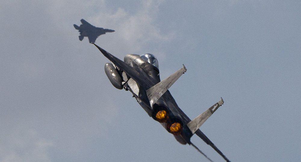 الدفاع الروسية: مقاتلتان إسرائيليتان قصفتا مطار