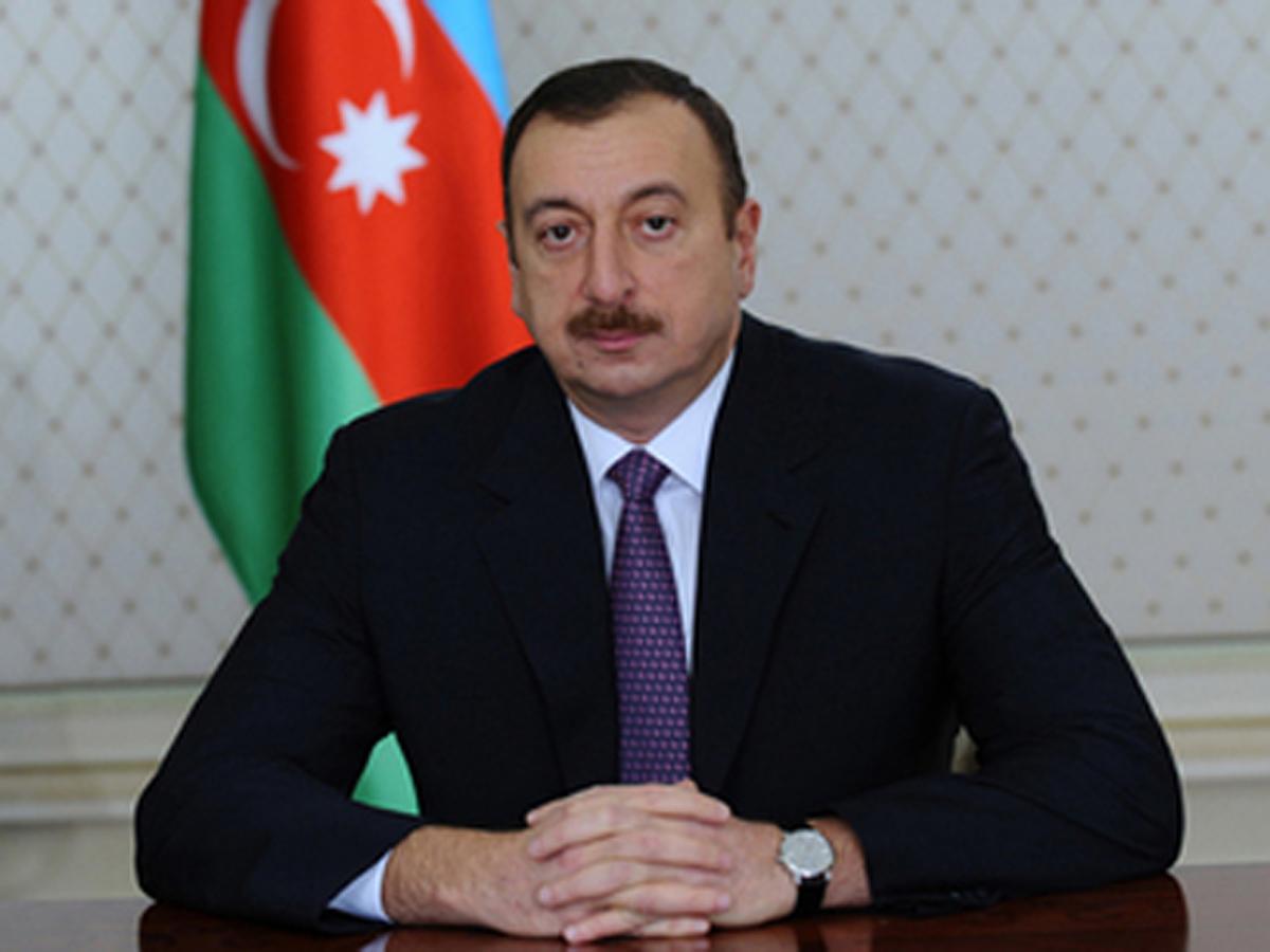 الرئيس الأذري: نعارض ربط الإرهاب بالإسلام