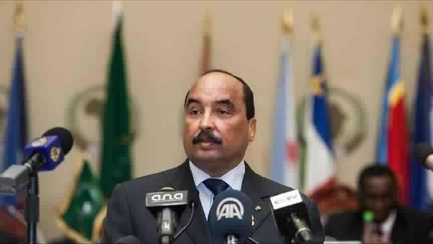 الرئيس الموريتاني يدعو إلى وقف المبادرات المطالبة بالتمديد له