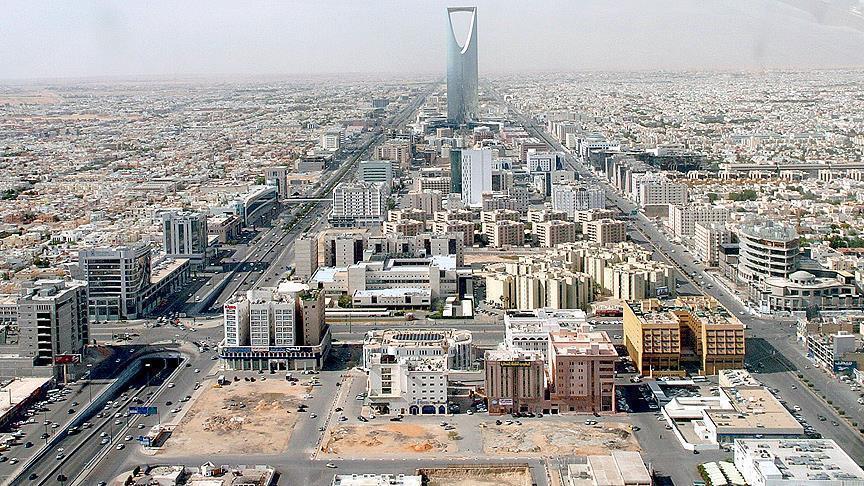 السعودية تودع أول دفعة دعم نقدي لمواطنيها