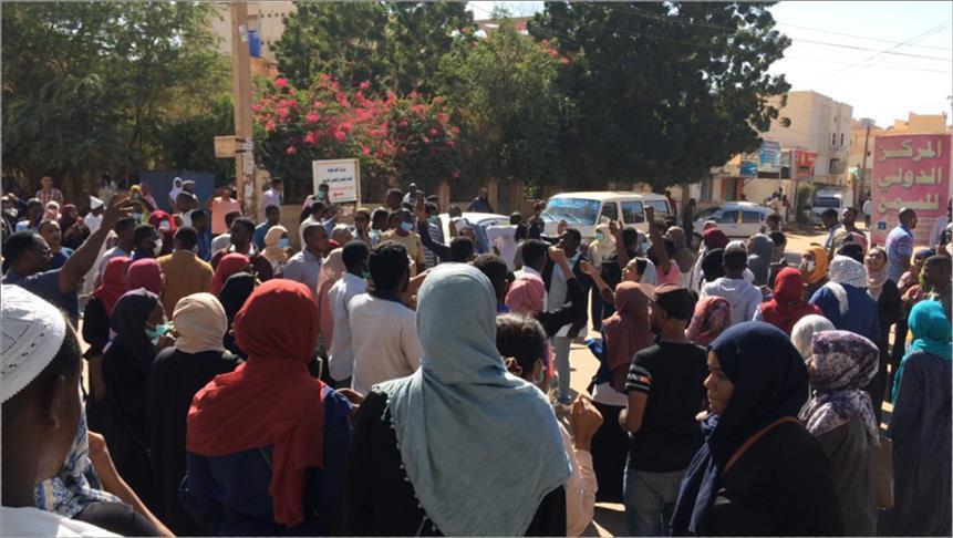 السودان..مظاهرة بالخرطوم لتسليم البرلمان مذكرة احتجاج