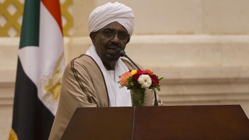 السودان.. البشير يتعهد ببناء جيش قوي للدفاع عن الحدود