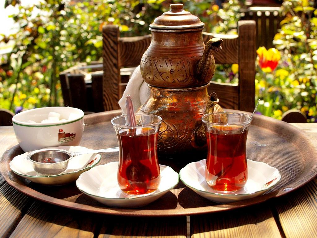 السيّاح العرب يُساهمون في زيادة صادرات الشاي التركي