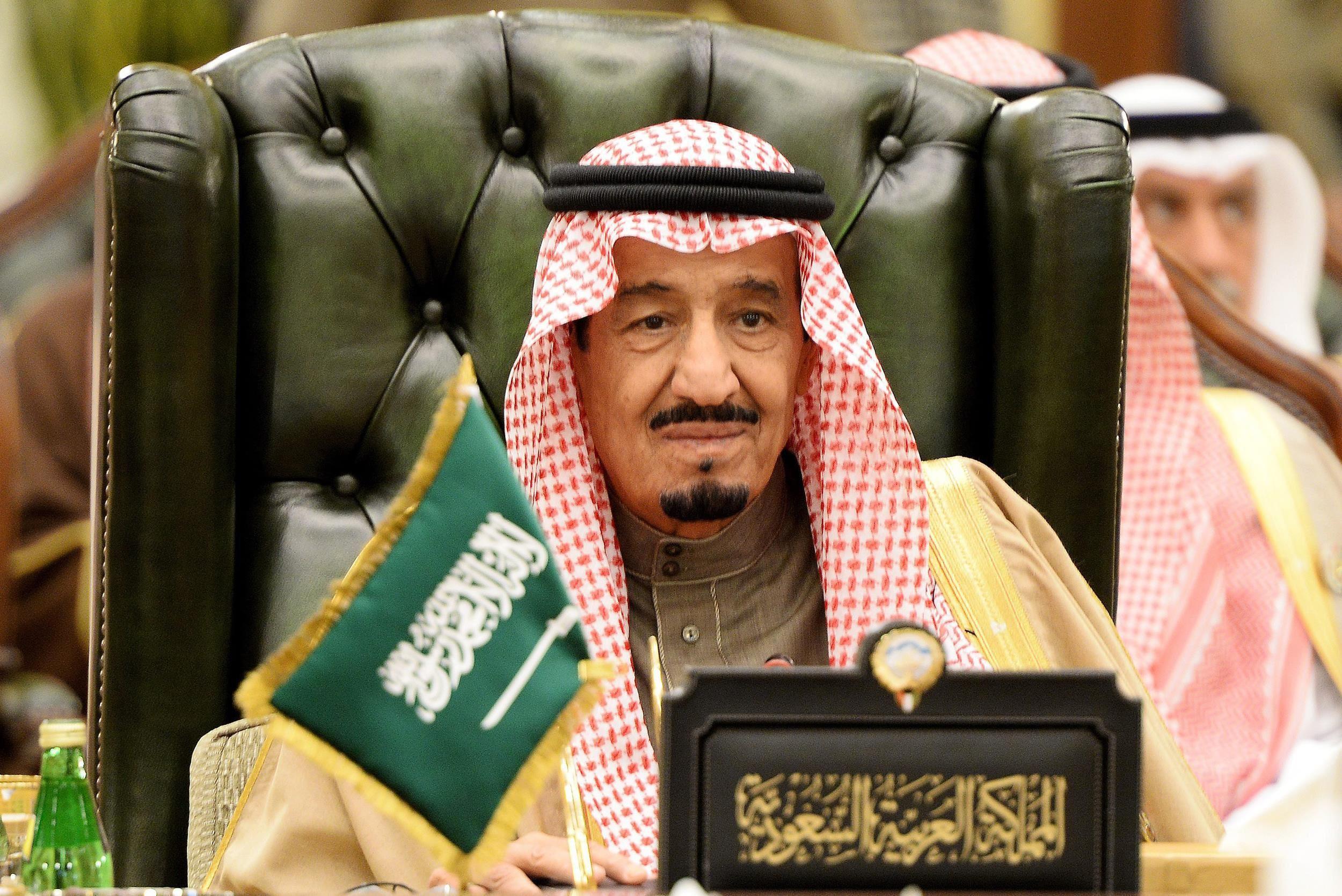 العاهل السعودي يلتقي الرئيس اليمني في مكة المكرمة