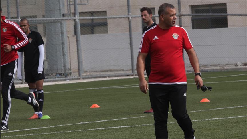 """المدرب أبو عابد.. أمل الأردنيين في استعادة تألق """"النشامى"""""""