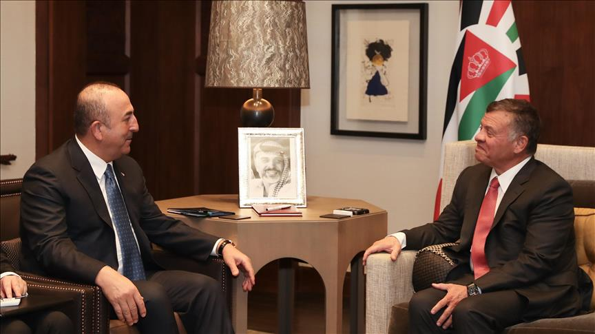الملك الأردني يستقبل وزير الخارجية التركي
