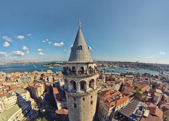 برج غلاطة.. بوصلة السائح في إسطنبول
