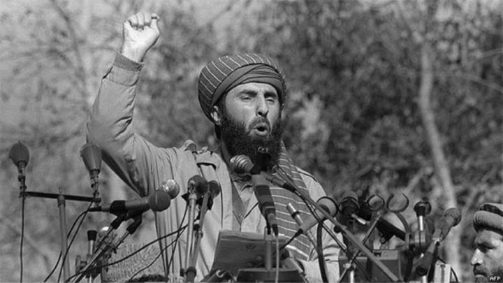 بعد غياب 20 عامًا .. وصول حكمتيار كابول للقاء الرئيس الأفغاني