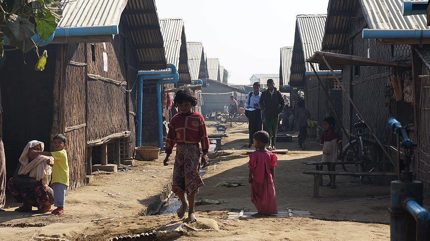 بنغلاديش تعلن اعتزامها نقل لاجئي الروهينغا الى جزيرة نائية