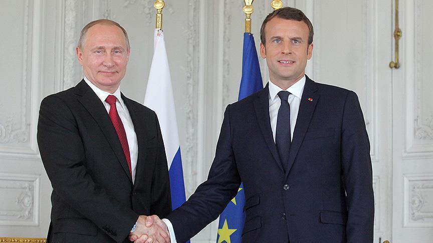 بوتين وماكرون يبحثان هاتفيا الأزمة السورية