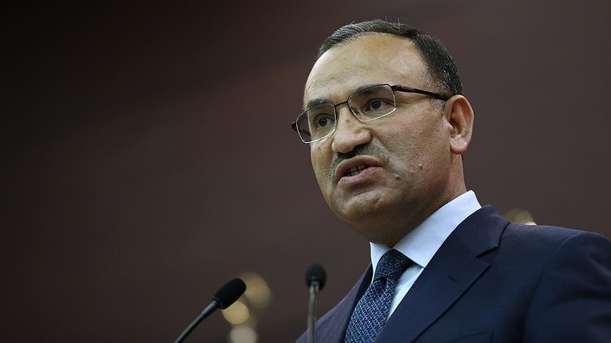تركيا تدعو ألمانيا للقبض على منفذي الهجمات على المساجد ومعاقبتهم