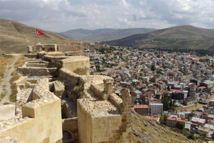 تركيا تستعد لترميم ثالث أكبر قلاعها التاريخية