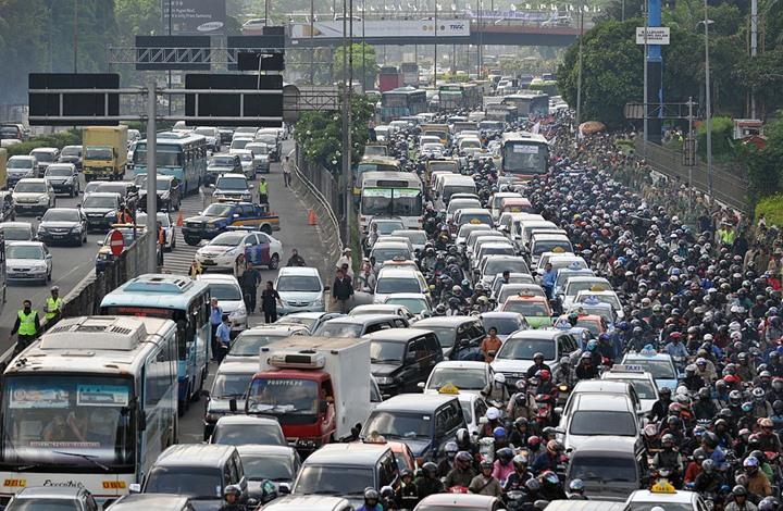 تطبيق إلكتروني لحل الازدحام المروري في إندونيسيا عبر الدرجات النارية