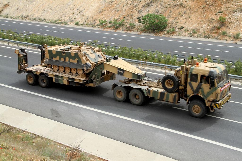 تعزيزات تركية عسكرية تصل كليس الحدودية مع سوريا