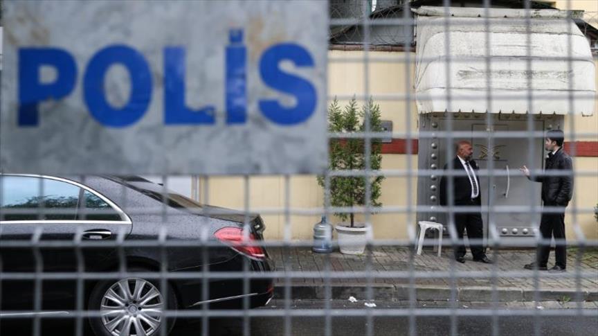 تواصل الترقب الإعلامي أمام القنصلية السعودية بإسطنبول
