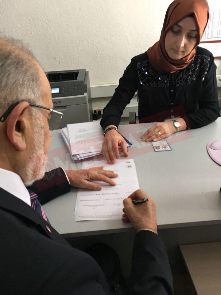 توقيع من تمل قره مُلا أوغلو لترشحّه  للانتخابات الرئاسية