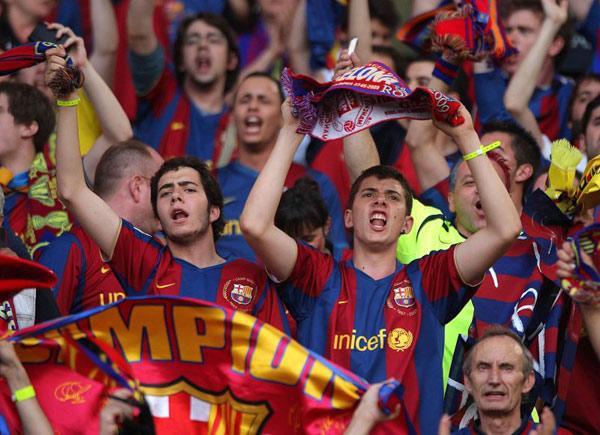 جماهير برشلونة تهاجم البرازيلي نيمار وتصفه بـ