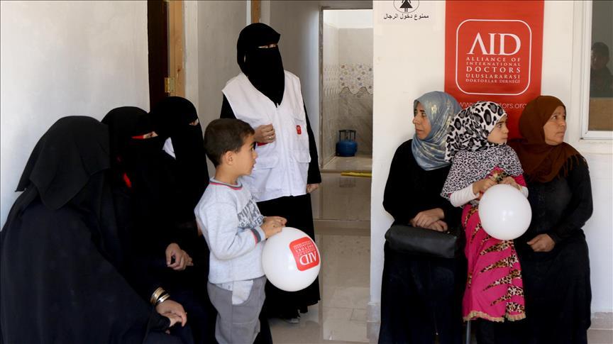 جمعية تركية تفتتح أول مركز طبي لأمراض النساء بمخيم