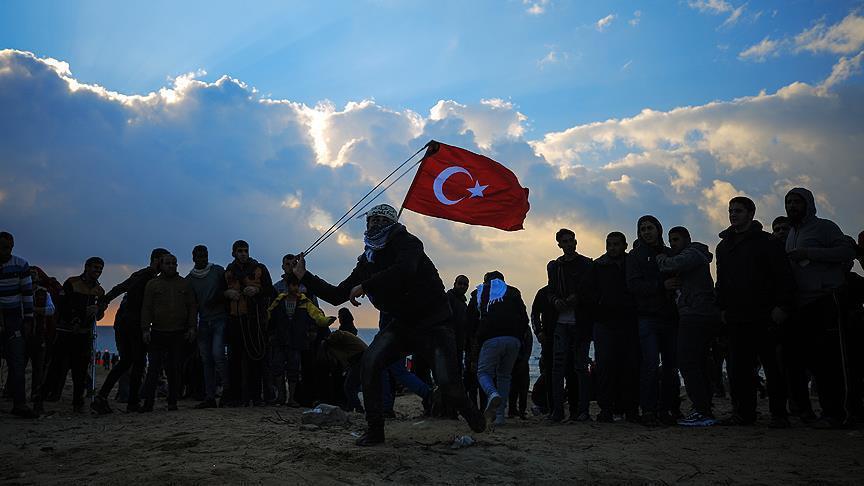 """حقوقيون في غزة: إسرائيل تمارس """"الإرهاب"""" ضد متظاهري مسيرة العودة"""