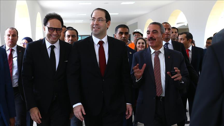رئيس الحكومة التونسية يدشن