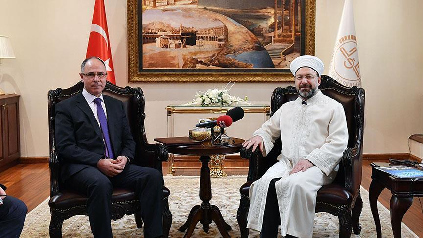 رئيس الشؤون الدينية التركية يستقبل السفير الفلسطيني بأنقرة