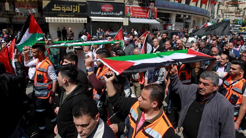 رغم استشهاد 15 بغزة.. فلسطينيون: لن نترك الحدود حتى العودة لأرضنا