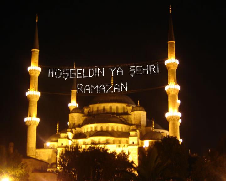 رمضان لبنان.. المدفع يصمت والمسحراتي ينقرض