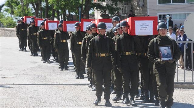 شرناق التركية تودّع شهداء المروحية المنكوبة