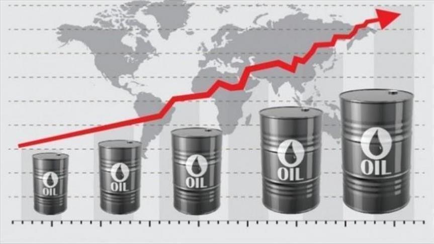 صعود دون المتوقع للمخزونات الأمريكية يصعد بأسعار النفط الخام