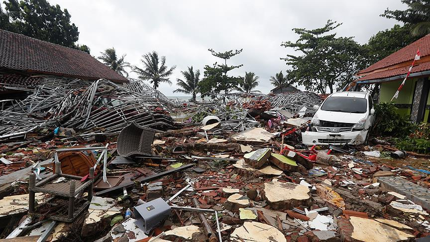 ضحايا تسونامي في إندونيسيا ترتفع إلى 281 شخصًا