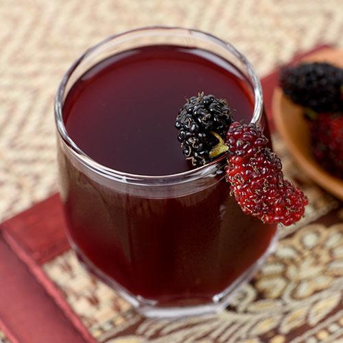 عصير التوت يوميا يحسن وظائف المخ لدى كبار السن