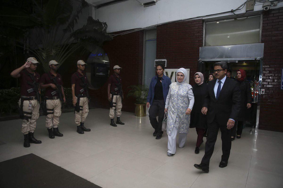 عقيلة أردوغان تصل بنغلاديش