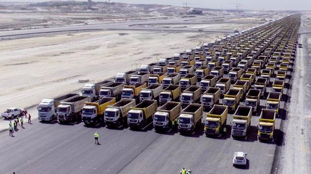 في ذكرى فتح اسطنبول.. استعراض بـ 1453 شاحنة
