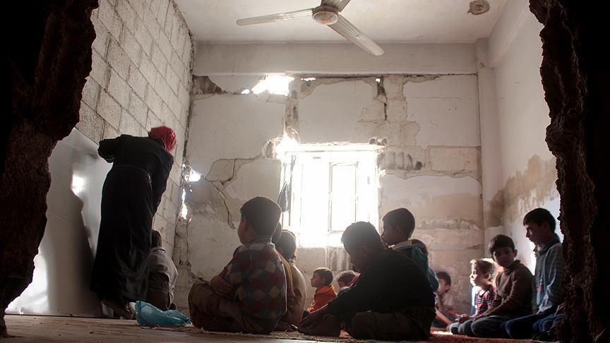 في غوطة دمشق.. أحلام الأطفال تقصفها الحرب ويبترها الجوع