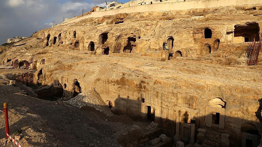 """""""كبادوكيا"""" التركية.. مدن تخفي عظمتها في باطن الأرض"""
