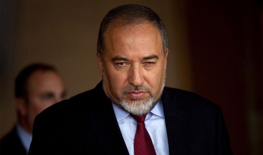 ليبرمان يعرقل قرارا إسرائيليا بإقامة جزيرة قبالة غزة