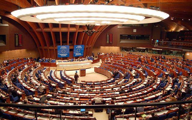 مجلس أوروبا يناقش منع المسؤولين الأتراك من لقاء مواطنيهم