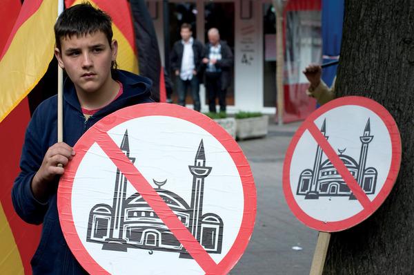 مجلس العلاقات الأمريكية الإسلامية: كيان الإسلاموفوبيا وراء حظر الدخول