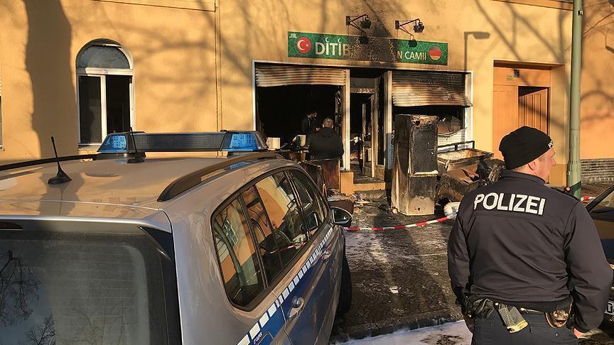 مجهولون يضرمون النار في مسجد بالعاصمة الألمانية