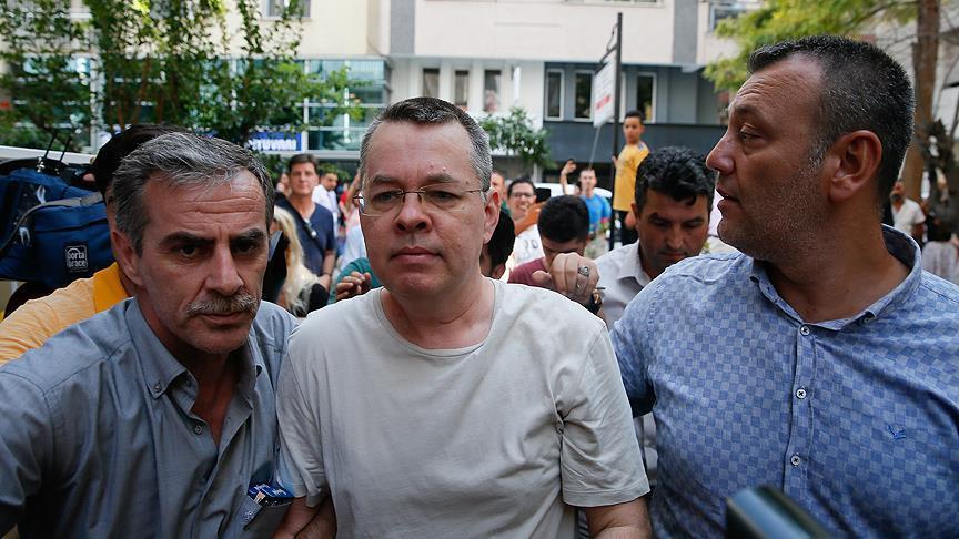 محكمة تركية ترفض رفع الإقامة الجبرية عن القس الأمريكي