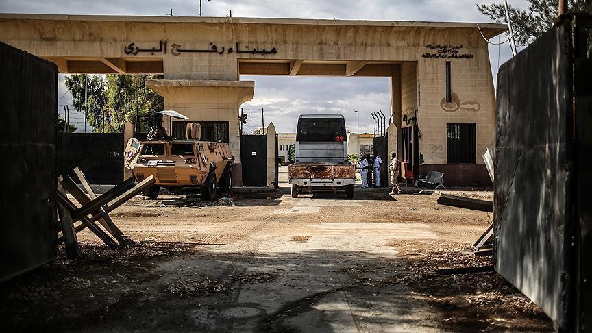 مسؤول فلسطيني: مصر تغلق معبر رفح لدواع أمنية