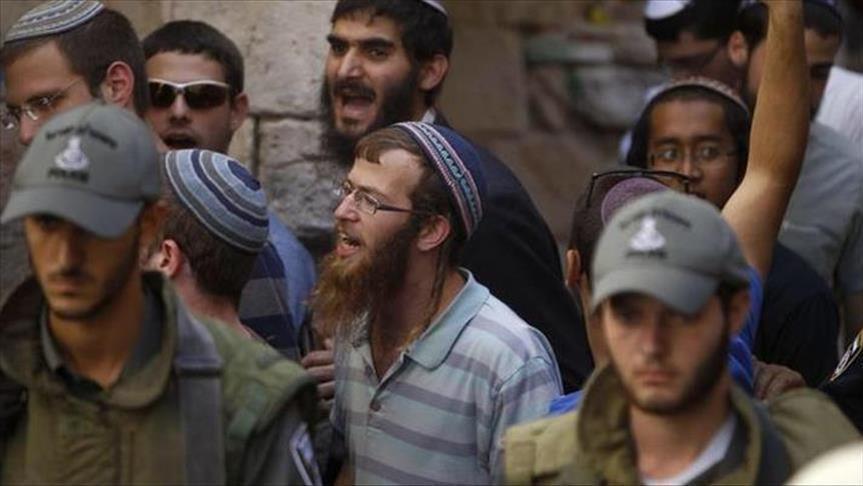 مستوطنون يعطبون إطارات مركبات فلسطينيين شمالي الضفة